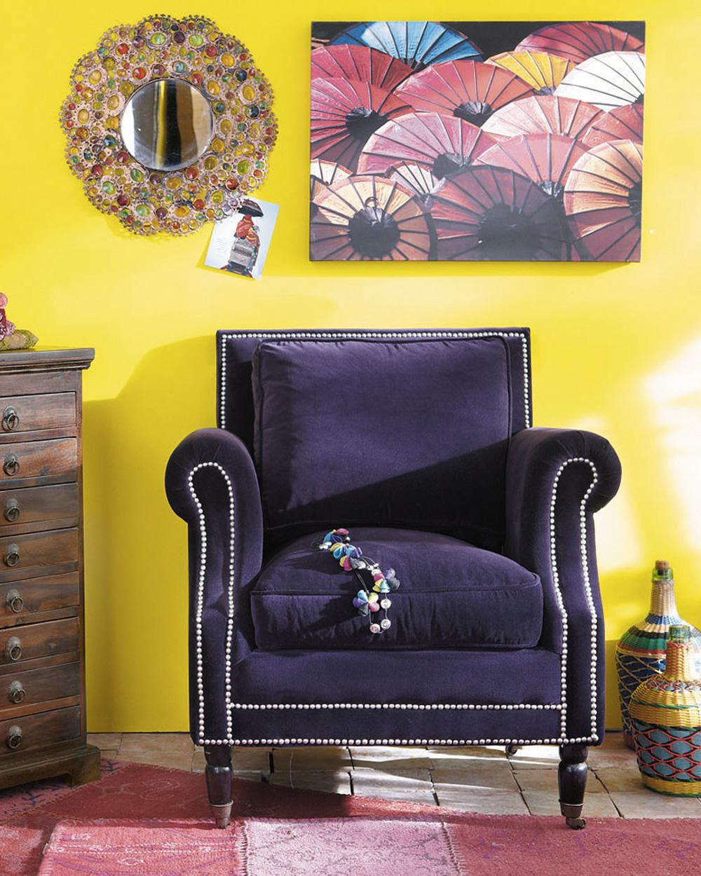 fauteuil en velours violet