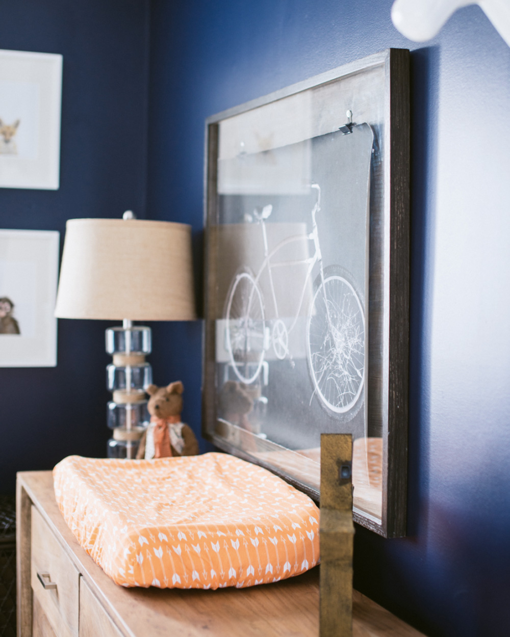 une chambre de b b orange et bleue shake my blog. Black Bedroom Furniture Sets. Home Design Ideas