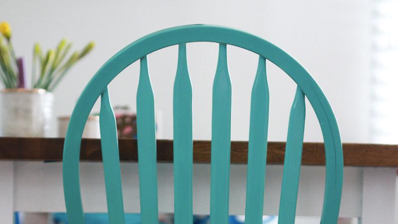 peindre chaise bois diy