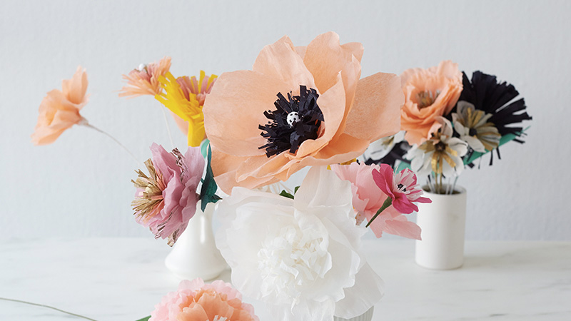 fleur colorée papier crépon diy