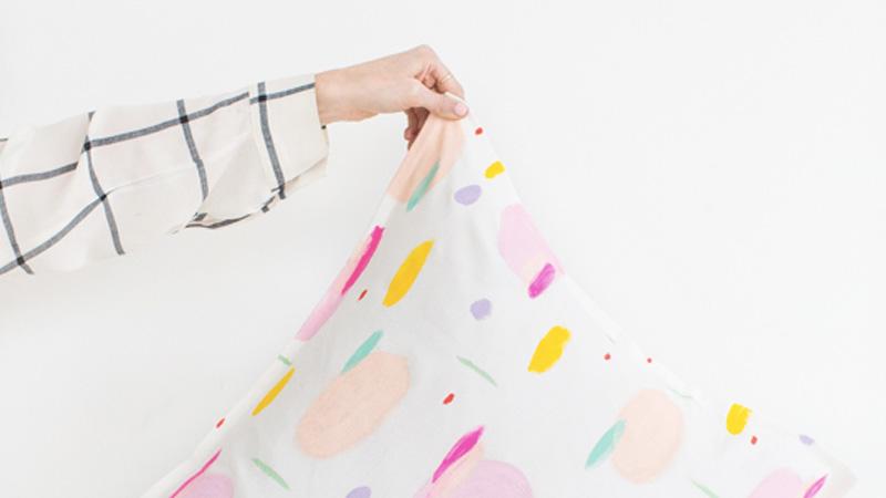 coussin imprimé diy peinture textile