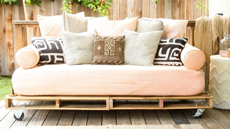 un jardin vertical diy avec une palette shake my blog. Black Bedroom Furniture Sets. Home Design Ideas