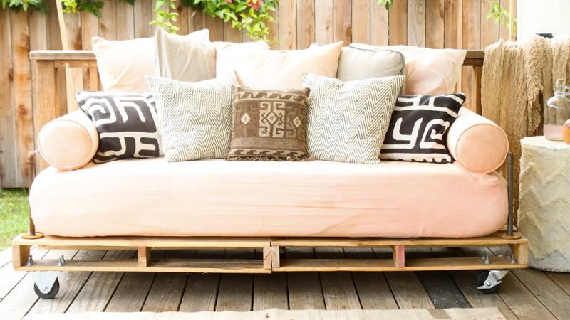 un canap palette diy shake my blog. Black Bedroom Furniture Sets. Home Design Ideas