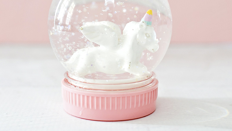 une boule neige licorne diy shake my blog. Black Bedroom Furniture Sets. Home Design Ideas