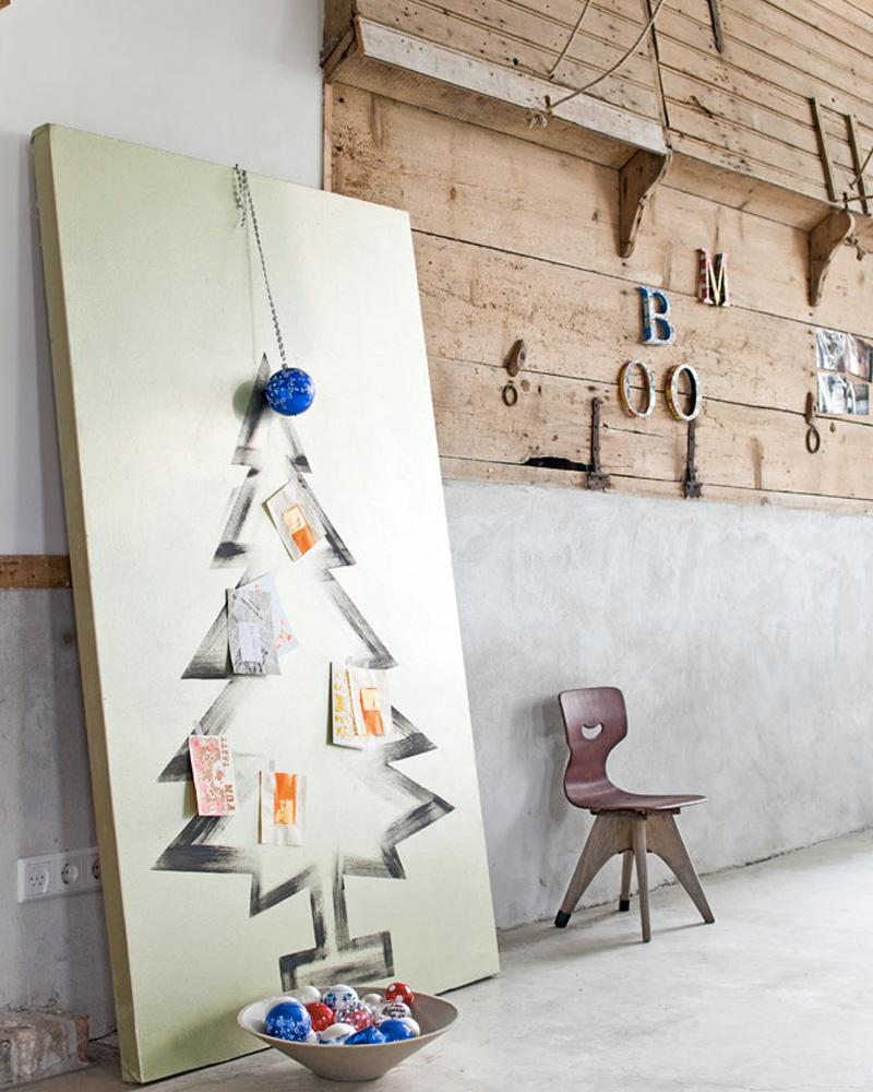 un sapin de no l peint diy shake my blog. Black Bedroom Furniture Sets. Home Design Ideas