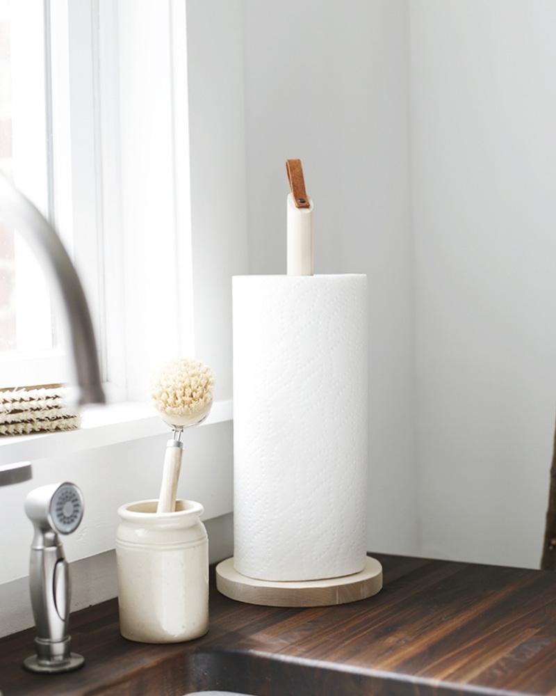 un porte rouleau essuie tout diy en bois shake my blog. Black Bedroom Furniture Sets. Home Design Ideas