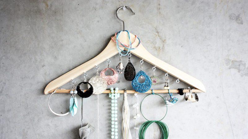 cintre porte bijoux diy