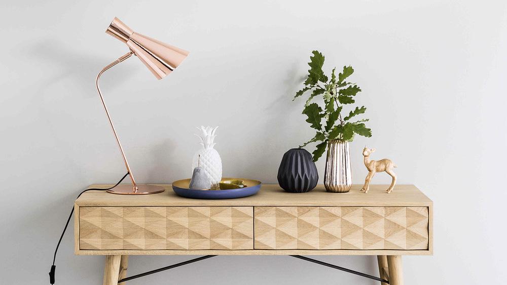console bois motifs géométriques