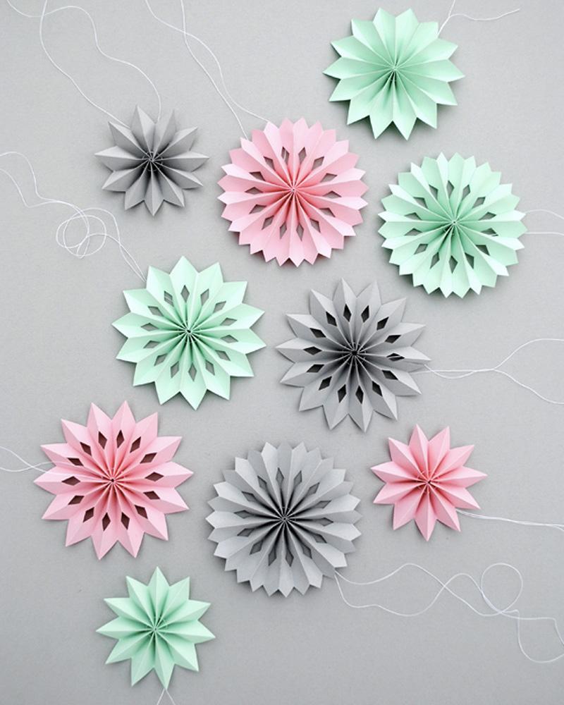 des mini rosaces en papier diy shake my blog. Black Bedroom Furniture Sets. Home Design Ideas