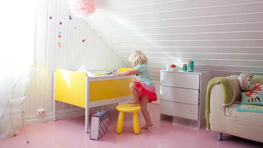 deco chambre fille sol rose