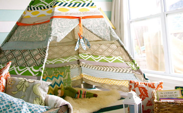 un tipi diy pour les enfants shake my blog. Black Bedroom Furniture Sets. Home Design Ideas