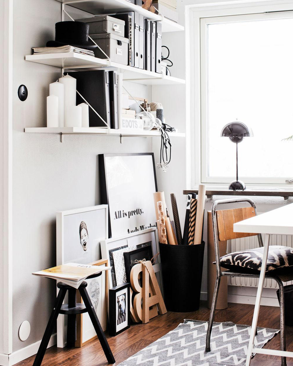 un bureau blanc noir et bois shake my blog. Black Bedroom Furniture Sets. Home Design Ideas