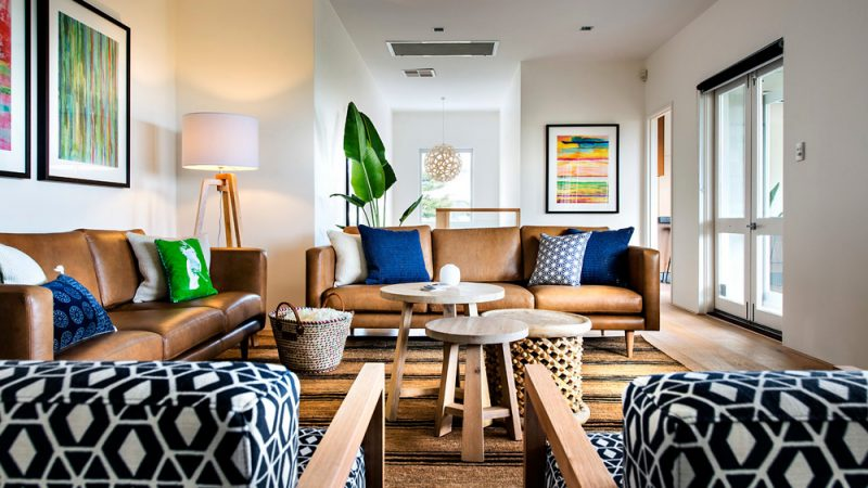 Un salon en marron et bleu | Shake My Blog