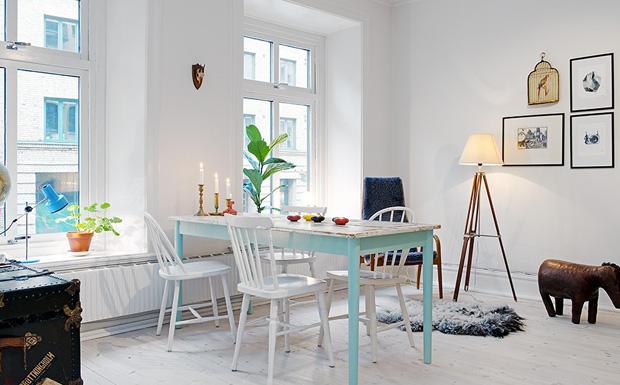 Un joli s jour lumineux en bleu et blanc shake my blog for Deco sejour bleu