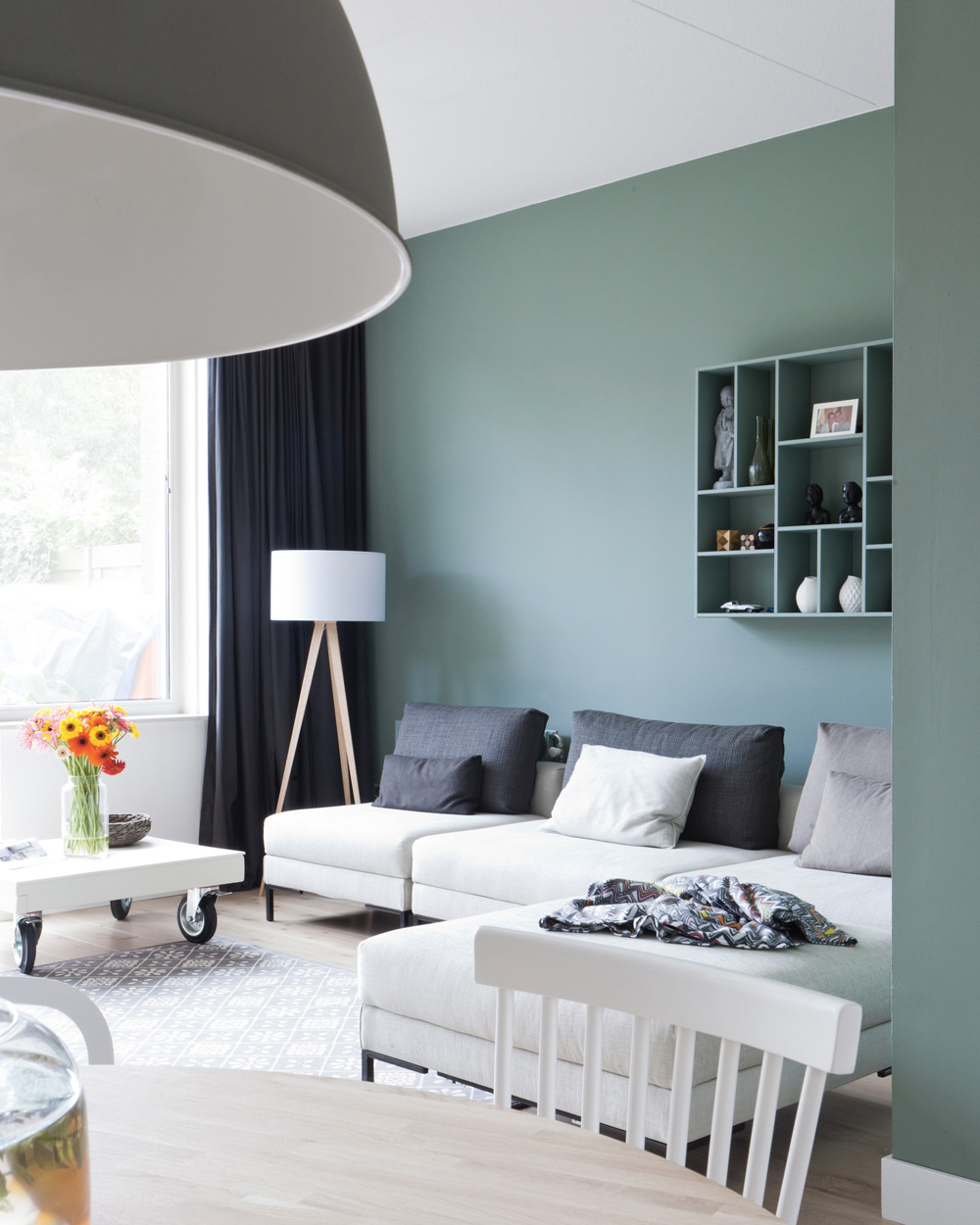 un salon couleur menthe shake my blog. Black Bedroom Furniture Sets. Home Design Ideas