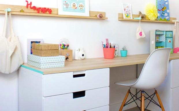 bureau enfant oui oui bureau enfant oui oui 1000 bureau. Black Bedroom Furniture Sets. Home Design Ideas