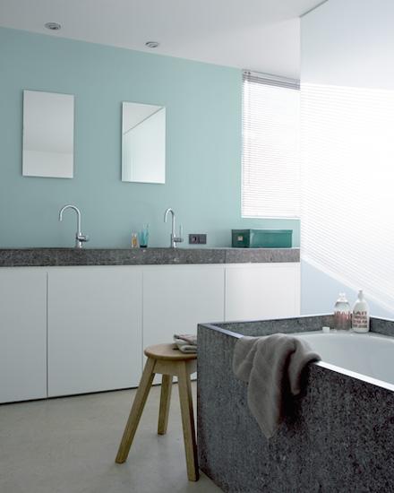 Shake my blog repeindre le carrelage de sa salle de bain for Repeindre un carrelage de salle de bain