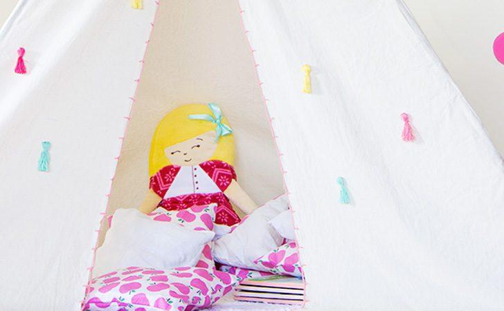 un tipi diy pour les enfants shake my blog. Black Bedroom Furniture Sets. Home Design Ideas