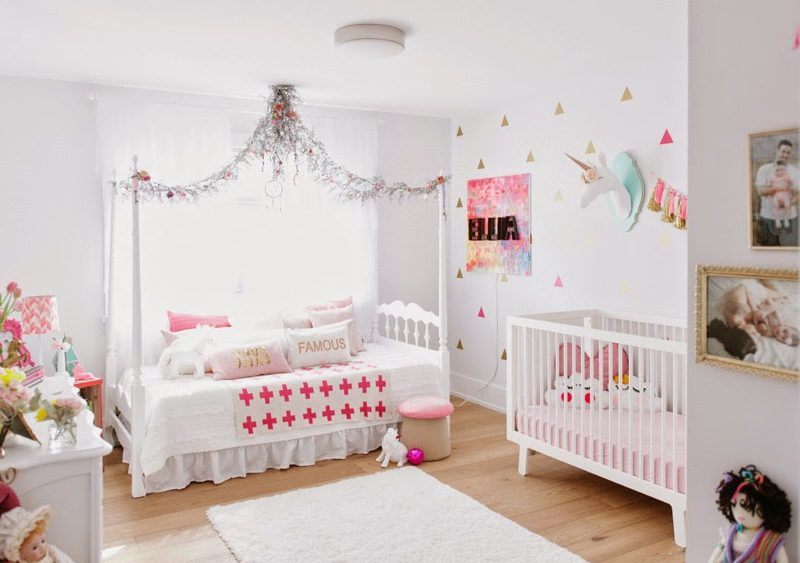 deco chambre fille rose or