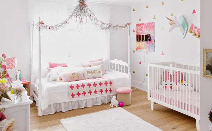 chambre licorne chambre b b les mini licornes leostickers chambre fille chambre fille licorne. Black Bedroom Furniture Sets. Home Design Ideas