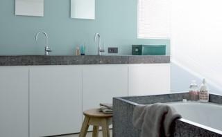 Shake my blog une salle de bain scandinave for Peindre le carrelage de sa salle de bain