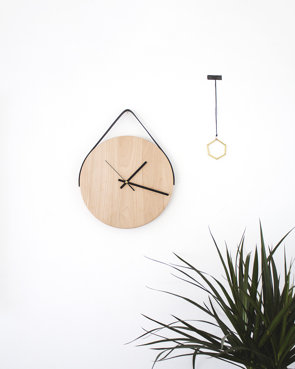 une horloge en bois diy shake my blog. Black Bedroom Furniture Sets. Home Design Ideas