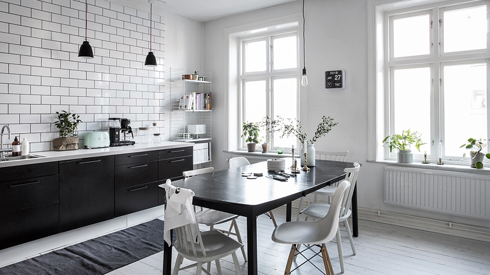une cuisine en noir et blanc shake my blog. Black Bedroom Furniture Sets. Home Design Ideas