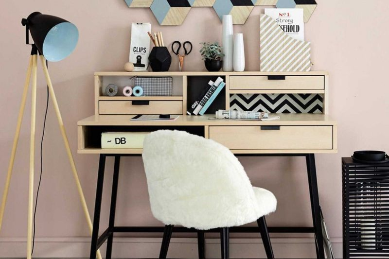 s lection de bureaux la d co scandinave shake my blog. Black Bedroom Furniture Sets. Home Design Ideas