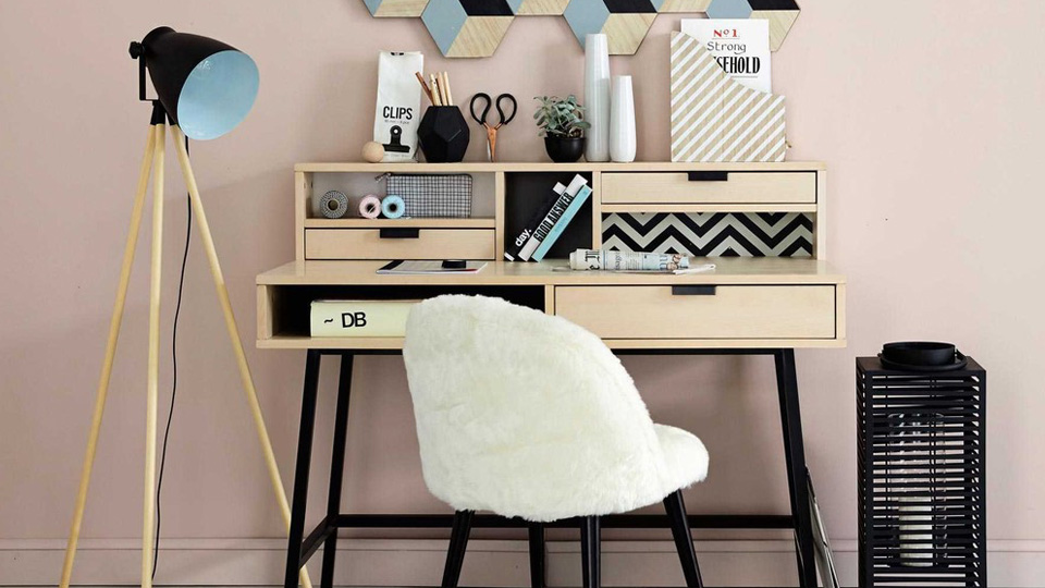 une nouvelle d co pour mon bureau shake my blog. Black Bedroom Furniture Sets. Home Design Ideas