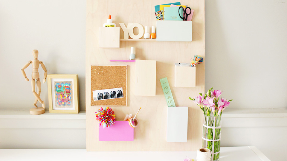 un organiseur mural diy pour le bureau shake my blog. Black Bedroom Furniture Sets. Home Design Ideas