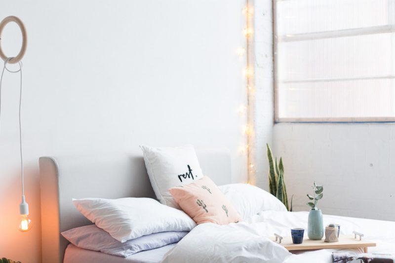 une lampe murale diy shake my blog. Black Bedroom Furniture Sets. Home Design Ideas