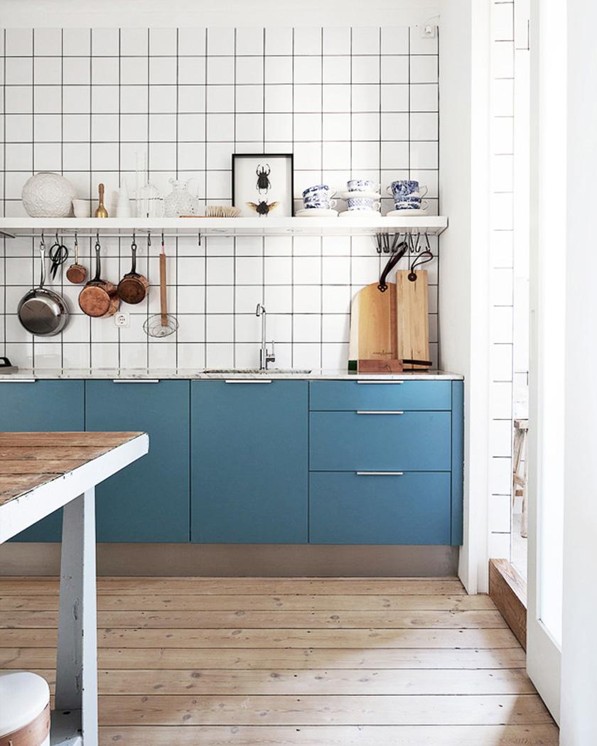deco bleu canard cuisine meubles et carrelage mural blanc