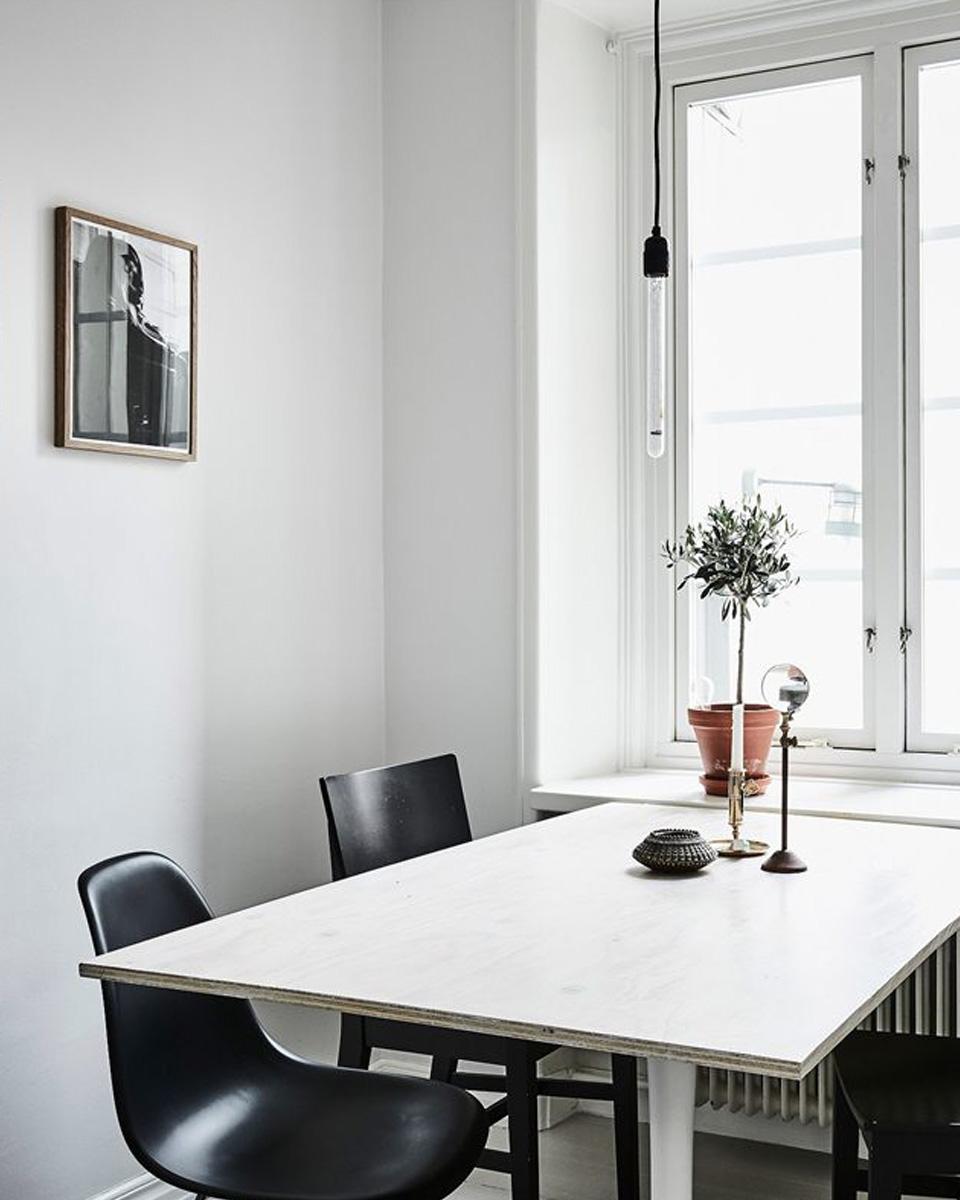 une déco de studio en noir et blanc | shake my blog - Deco Salle A Manger Noir Et Blanc