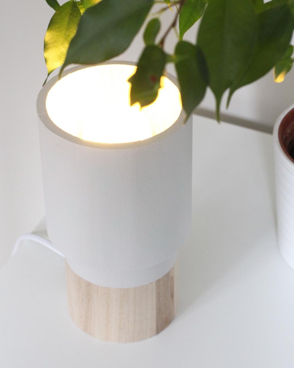 une lampe en bois diy shake my blog. Black Bedroom Furniture Sets. Home Design Ideas