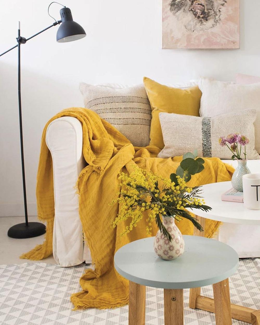 deco rose jaune salon