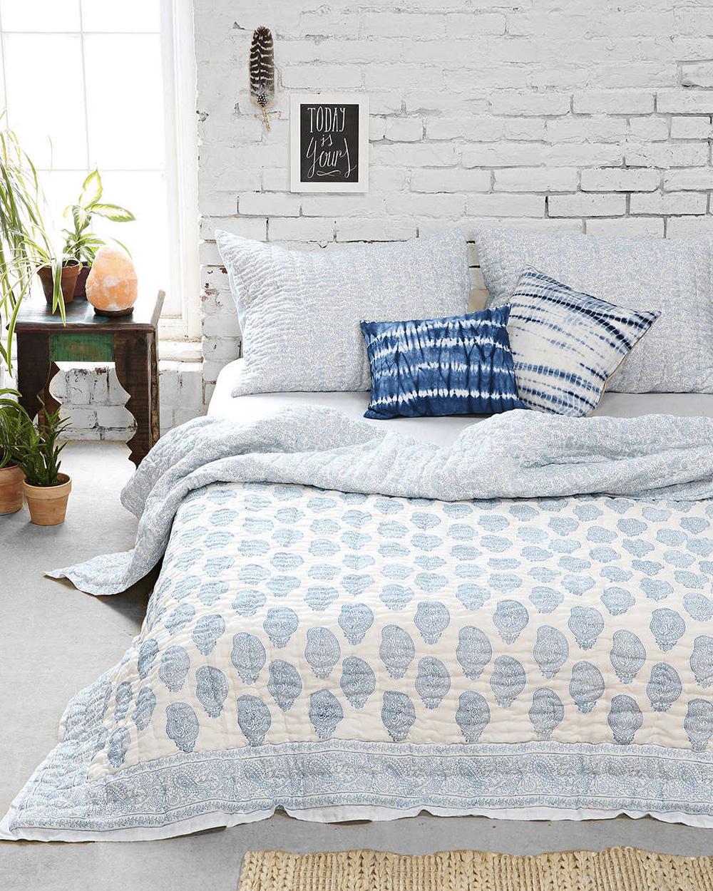 10 id es d co pour utiliser la brique dans sa maison shake my blog. Black Bedroom Furniture Sets. Home Design Ideas