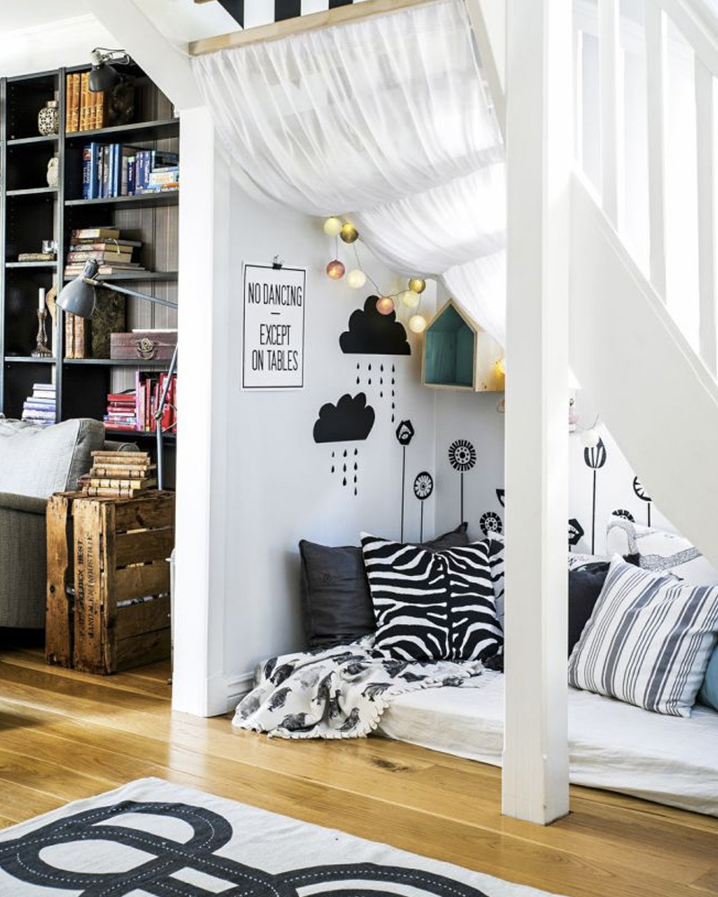 10 id es d co pour am nager le dessous d 39 un escalier shake my blog. Black Bedroom Furniture Sets. Home Design Ideas