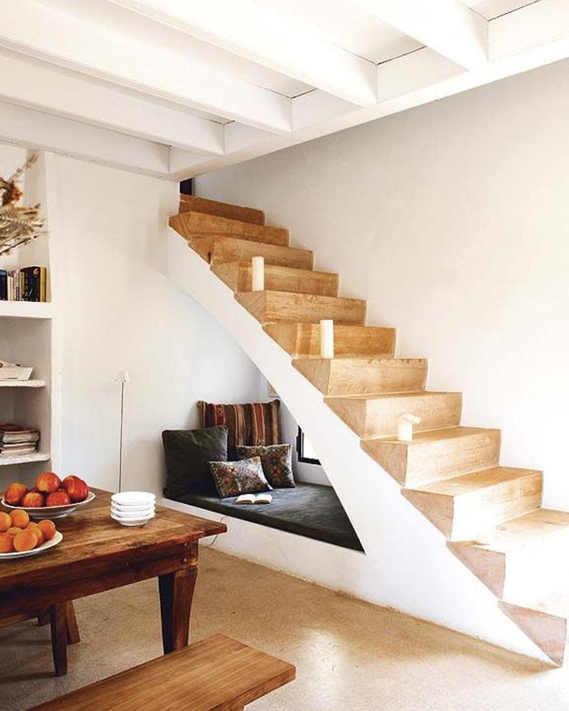 aménager sous escalier coin détente