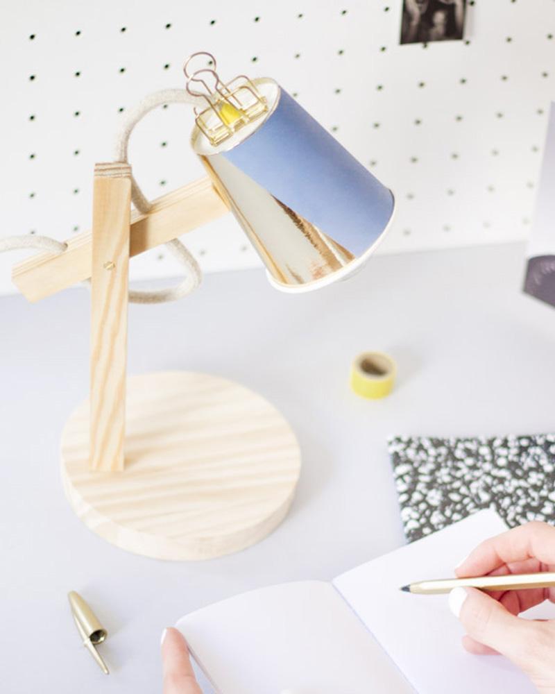lampe bureau diy bois gobelet