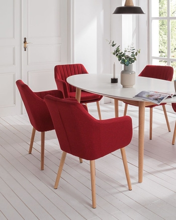 chaise scandinave à accoudoirs rose