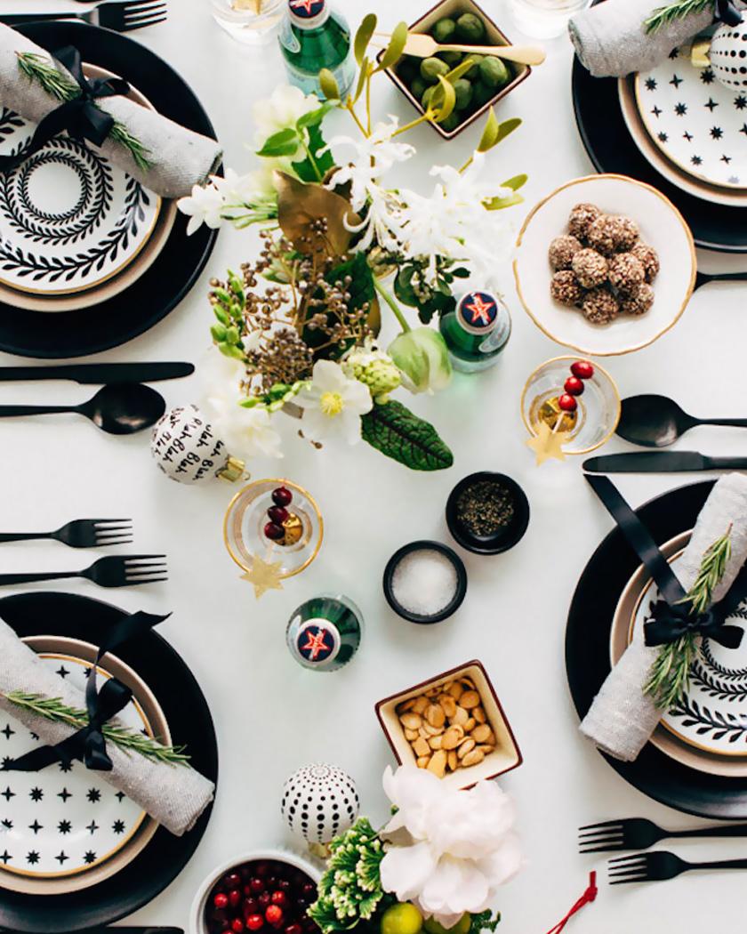 deco table noel moderne noir dorée