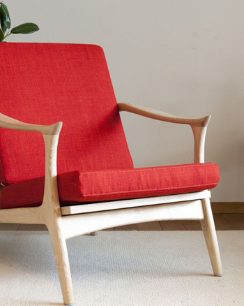 fauteuil scandinave rouge