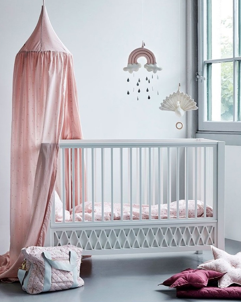 une d coration arc en ciel dans la chambre des enfants shake my blog. Black Bedroom Furniture Sets. Home Design Ideas