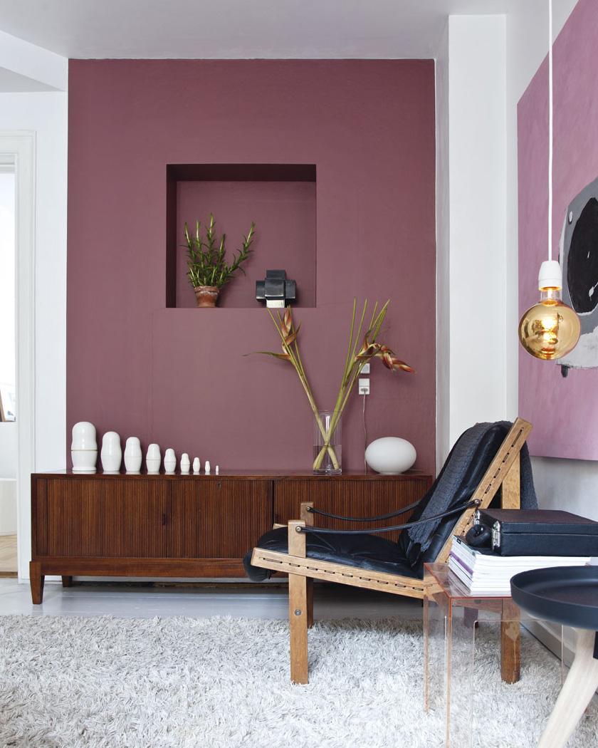 deco salon couleur bordeaux mur buffet bois