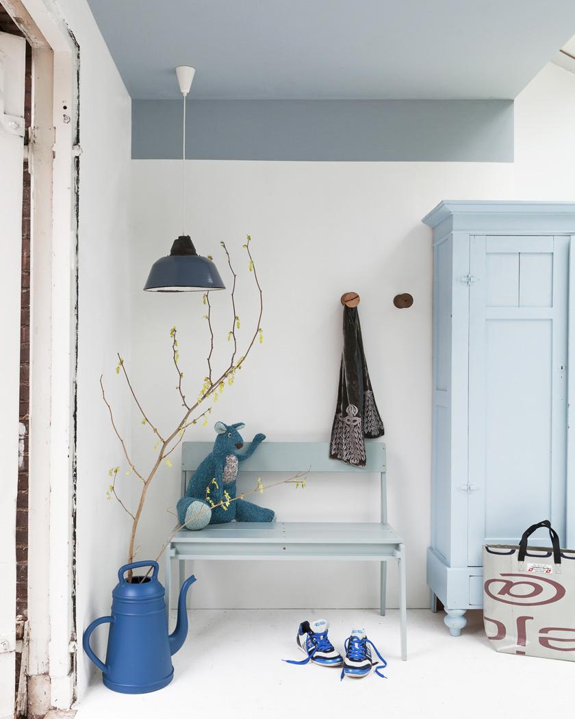 peindre plafond couleur bleu entrée
