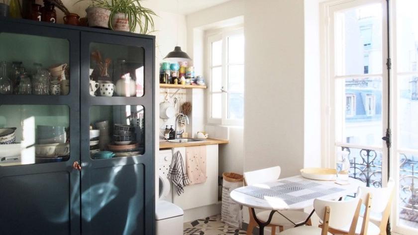 armoire parisienne deco bleu canard cuisine