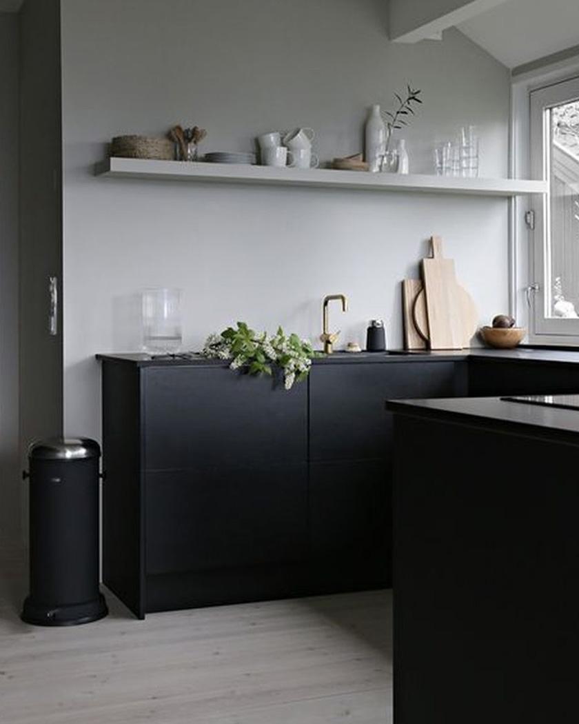 deco noir cuisine murs gris