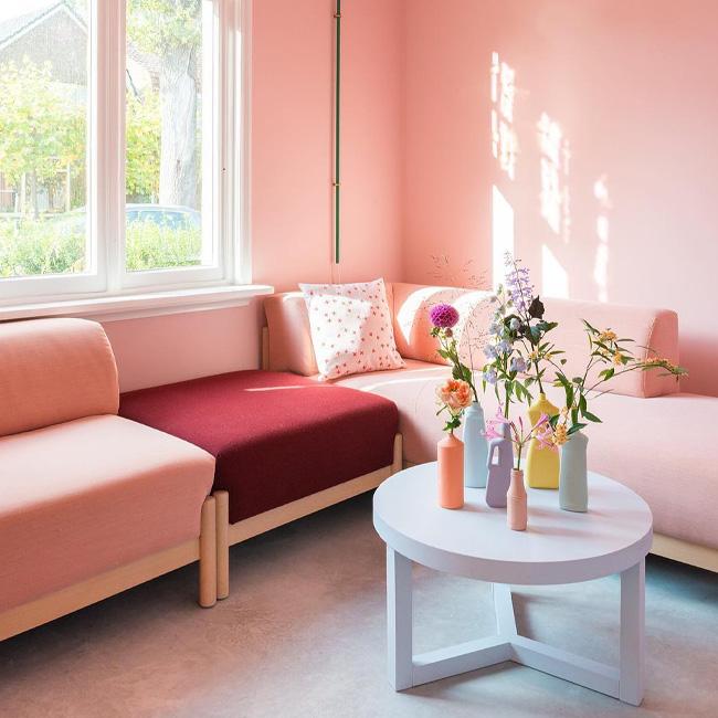 deco fun colorée zilverblauw salon rose