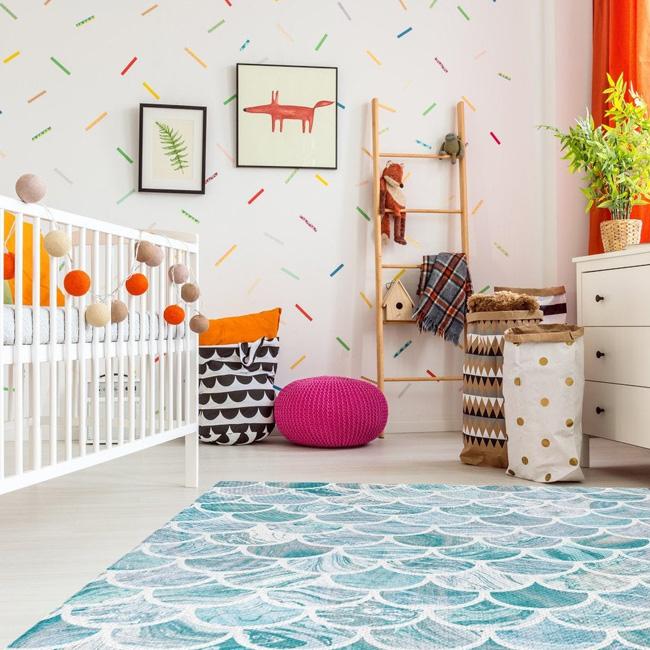 deco motif écaille chambre enfant tapis bleu