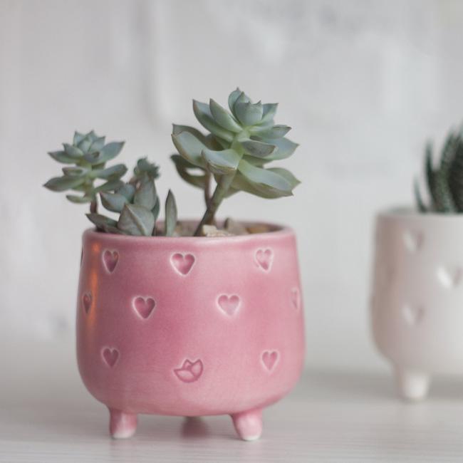 etsy happy flowers ceramics suspension plante pot pied coeur rose